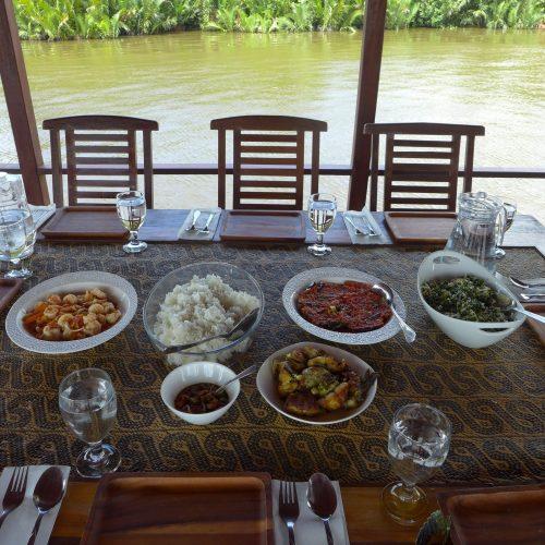 Lunch on board Sekonyer